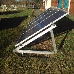 Pose au sol de panneaux solaires