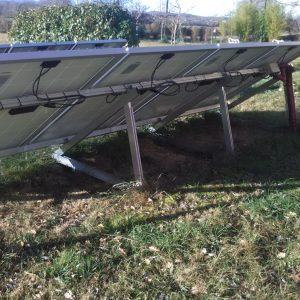 pose de panneaux solaires au sol - vue arrière