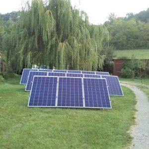 Pose de panneaux solaires au sol